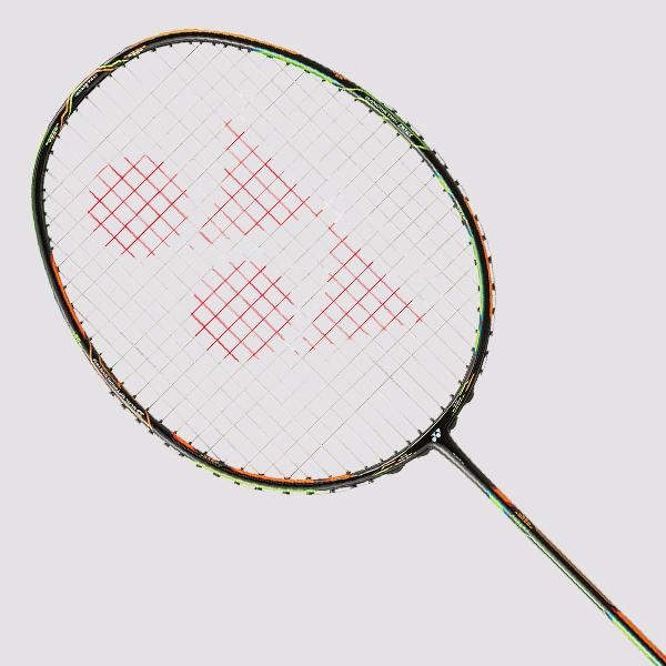 Badmintonová raketa YONEX DUORA 10 + dárek YONEX